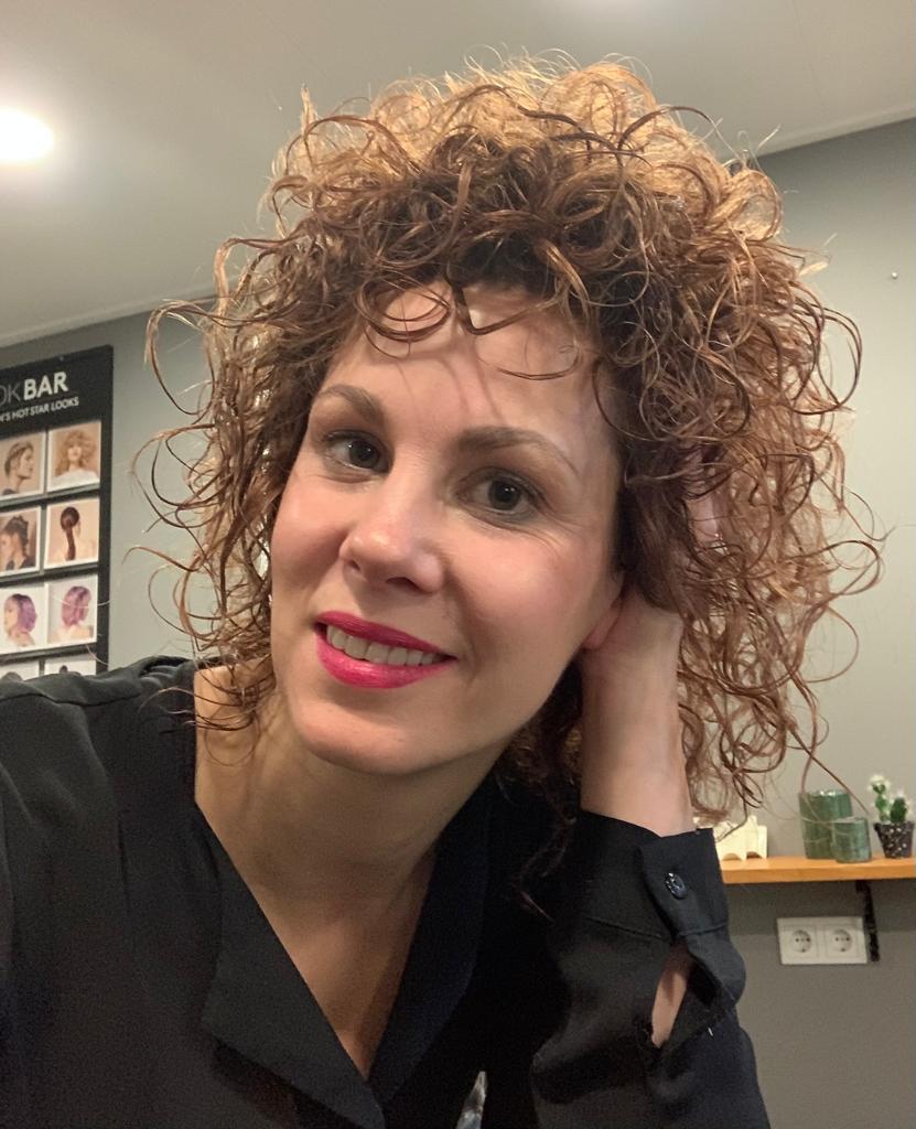 Yvonne Donkers krullen kapper Volkel Trend Haar Studio